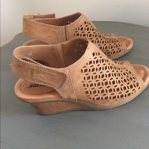 😊😊😊 Earth Brand Leather Wedges